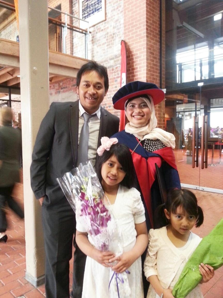 PhD Mama Ima: Menyiasati studi dengan balita dan menjalaniLDR