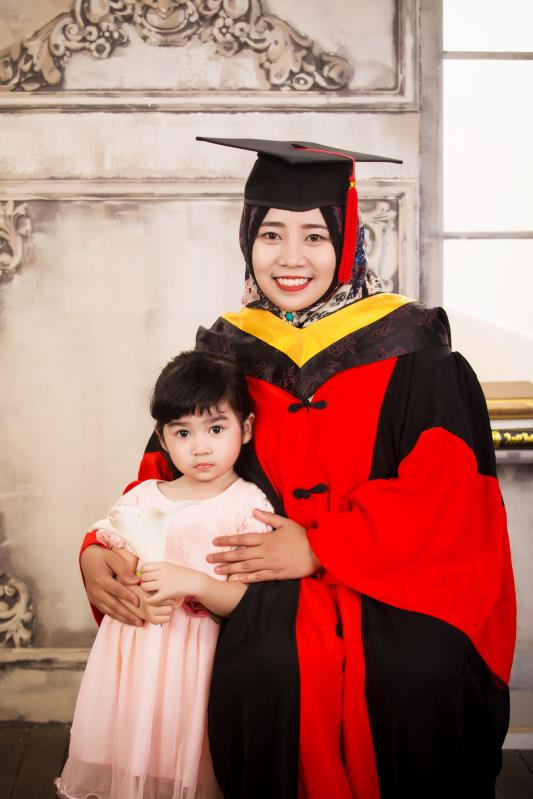 Putri Harlina: Tidur di lab, kehamilan berbuah publikasi dan Ramadan musim panas diChina